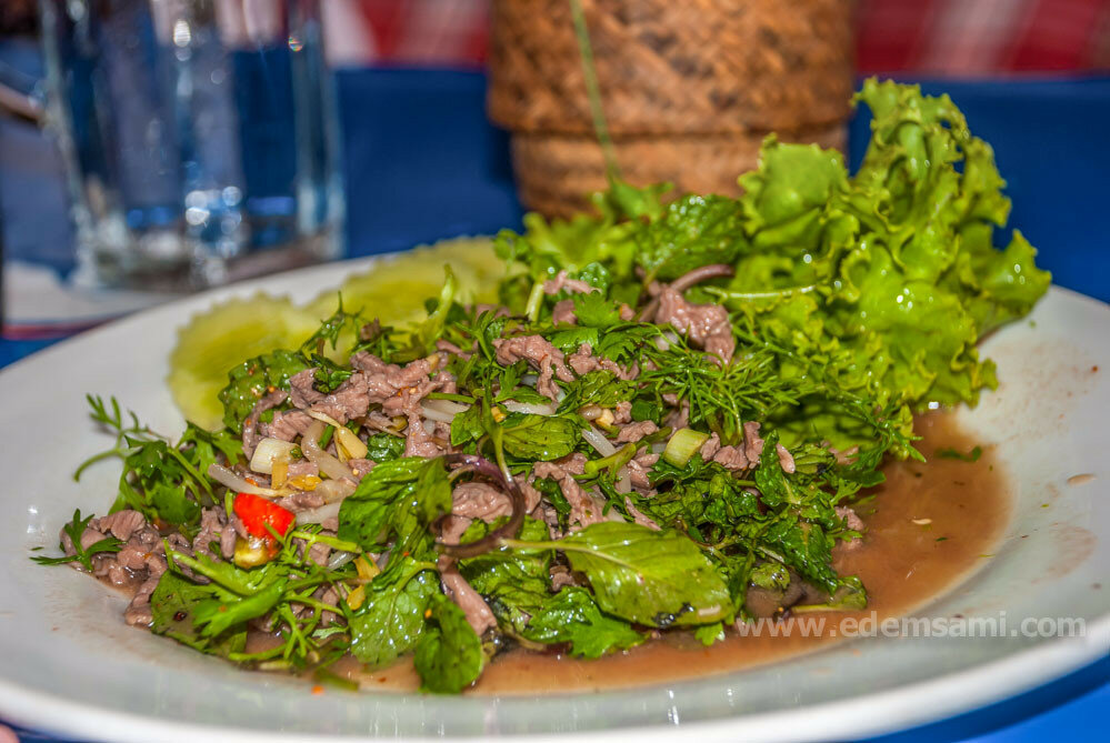 лаосский острый салат из мяса