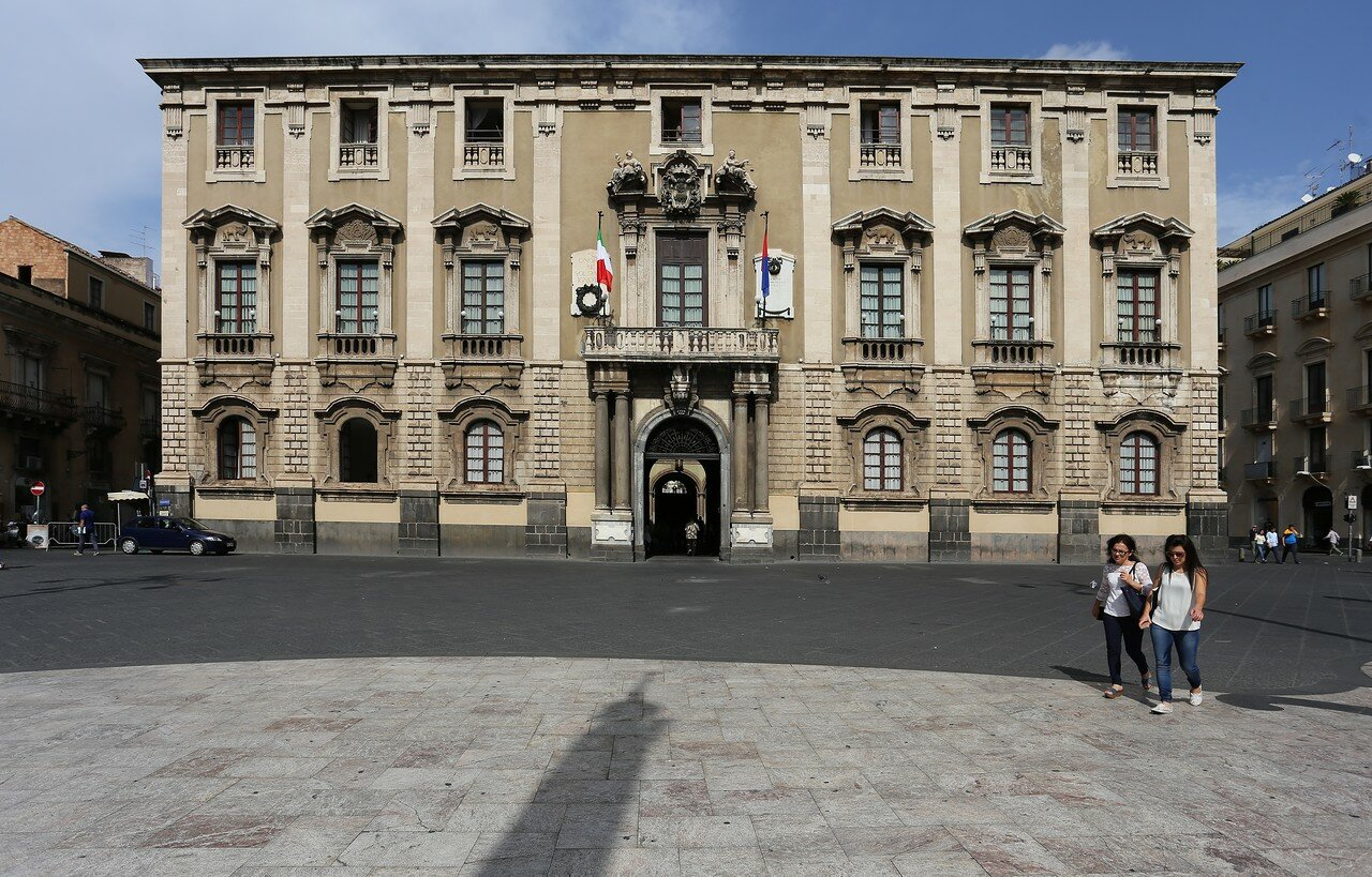 Катания. Дворец слонов (Palazzo Degli Elefanti)