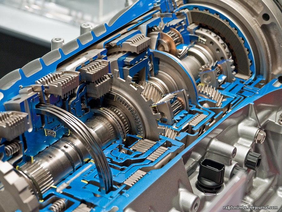 Япония: Двигатели и другие детали (40 фото)