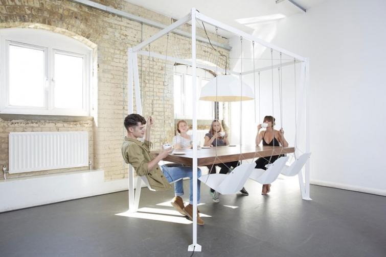 17. Стол с качелями вместо стульев