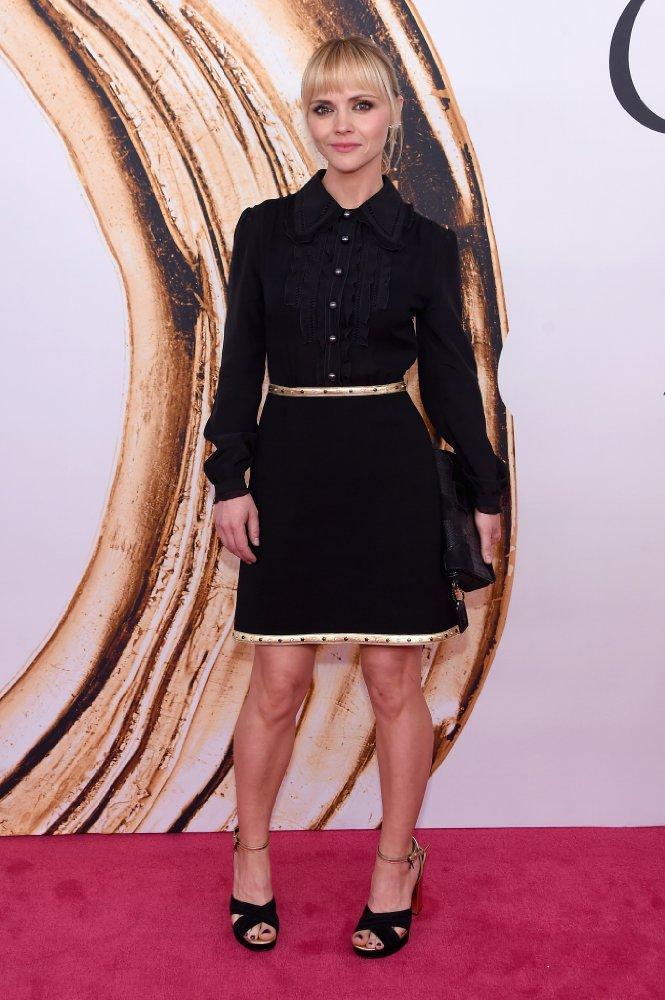 Кристина Риччи стала звездой, когда еще школьницей потрясающе воплотила образ Венсди Аддамс в го