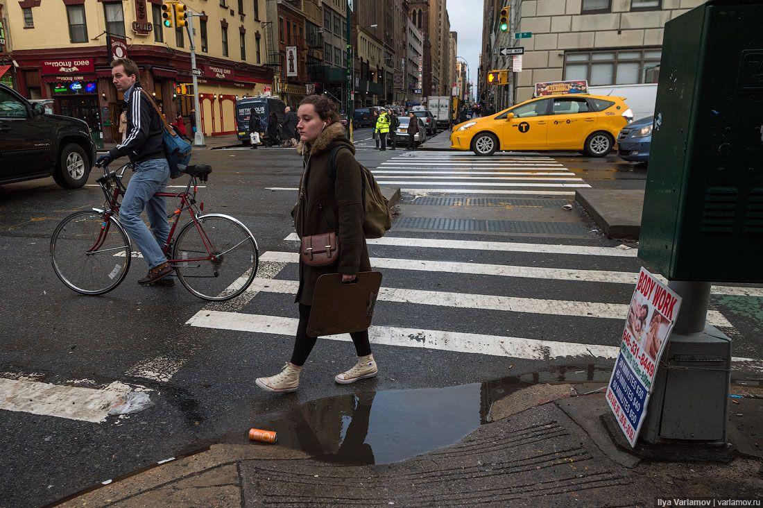 Многие удивляются, почему Нью-Йорк такой разваленный… Дороги плохие, из канализации постоянно