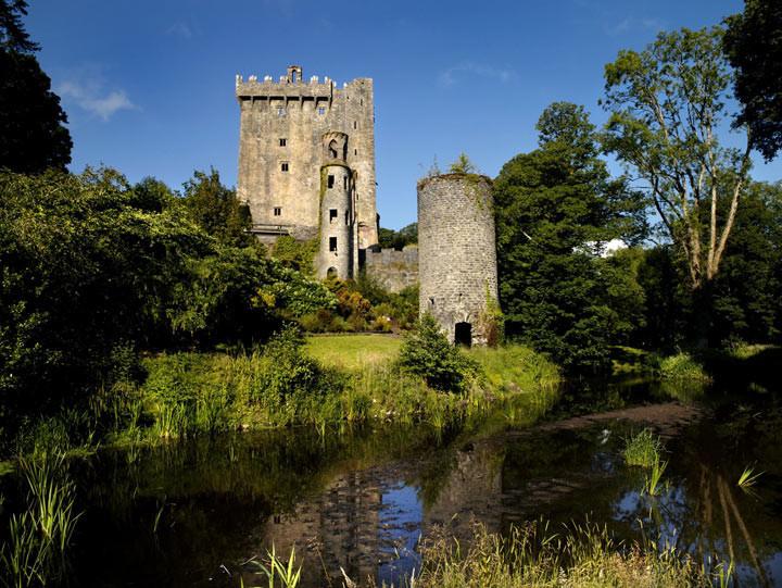 5. Замок Бларни, Ирландия Благодаря вмурованной в стену замка части Коронационного Камня можно приоб