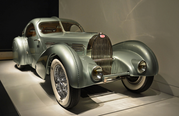 Bugatti Type 57S Competition Coupe Aerolithe Автомобиль Bugatti Type 57S Competition Coupe Aerolithe