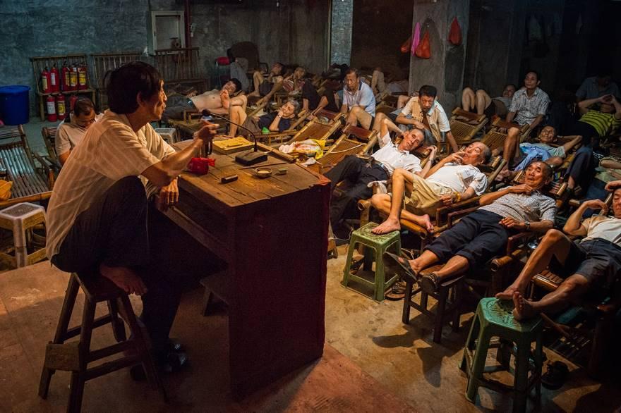 Поощрительная премия в категории «Путешествия» — «Рассказчик», Китай. Фото: Aimin Wang.