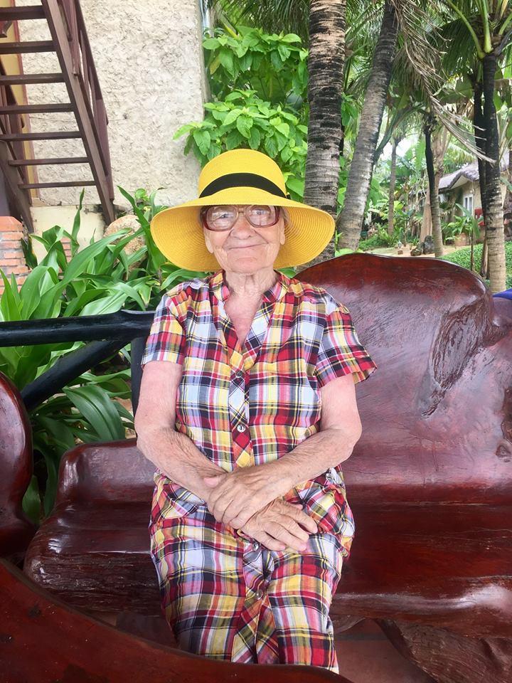 89-летняя бабушка из Красноярска доказывает, что никогда не поздно начать познавать мир (17 фото)