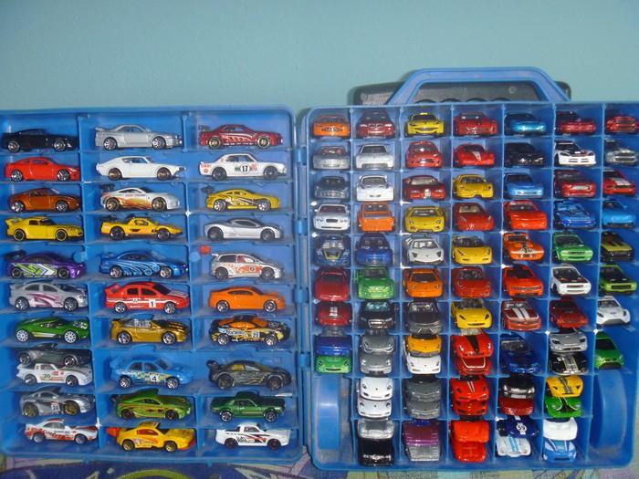 12. Автомобили Hot Wheels Полная коллекция этих машинок оценивается в 20 тысяч долларов.