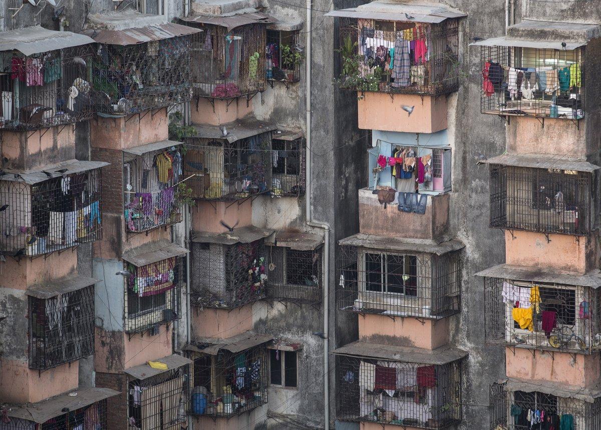 Дхарави — район в центре индийского города Мумбай. Дхарави считается одним из крупнейших районов мир