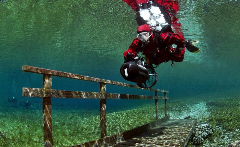 Буквальный перевод Gruner See — Зеленое озеро. Этимология названия ясна каждому, кто хоть раз ви