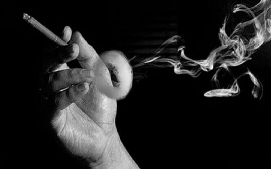 Как курение вызывает рак