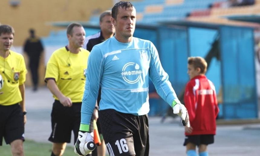 Финансовые проблемы клуба вынудили белорусского футболиста продать бутсы