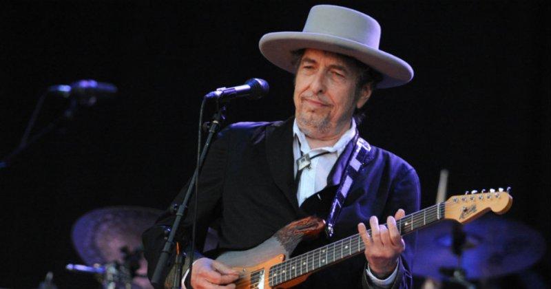 Боб Дилан отказался отпресс-конференции перед вручением Нобелевской премии