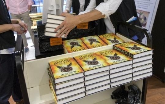 Книгу «Гарри Поттер ипроклятое дитя» переведет «Росмэн»