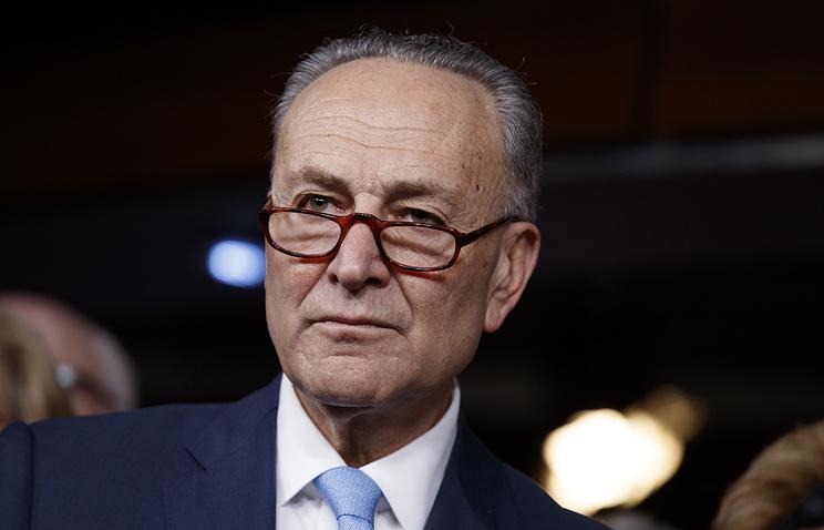 Сенаторы хотят запретить Трампу снимать санкции сРФ без разрешения