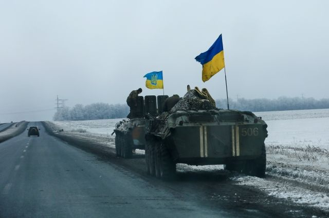 Украинские силовики обстреляли окраины Донецка изтяжелой артиллерии