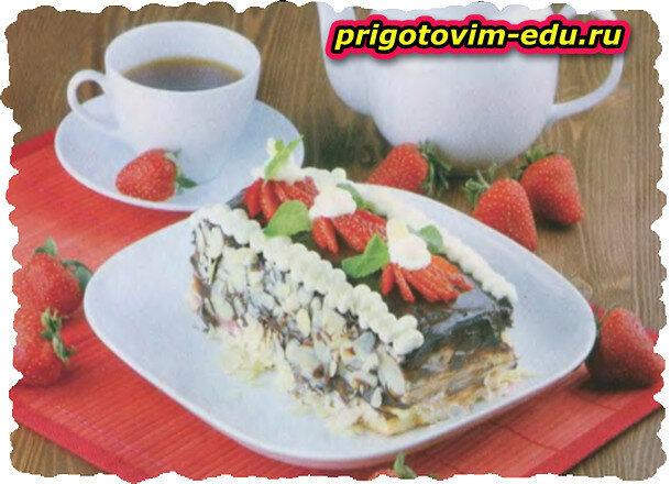 Клубничный торт с творожно-кофейным кремом