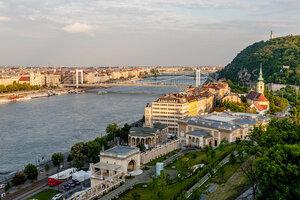 Будапешт. Вид на мост Эржебет с Будайской крепости
