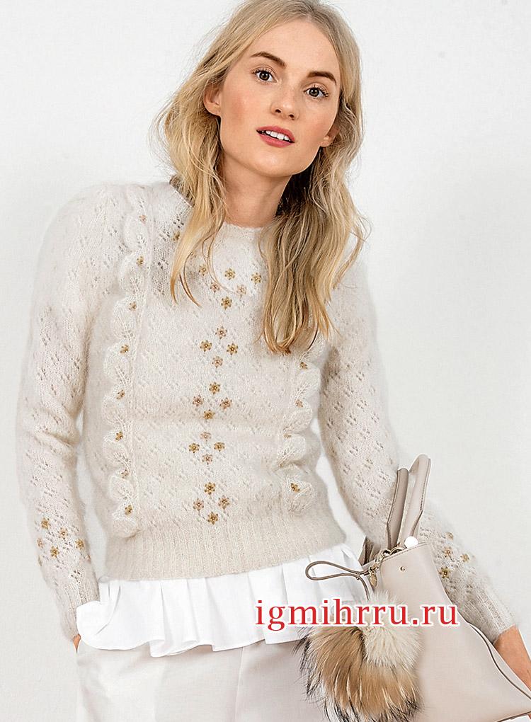 Пуловер с ажурным узором и рюшами. Вязание спицами
