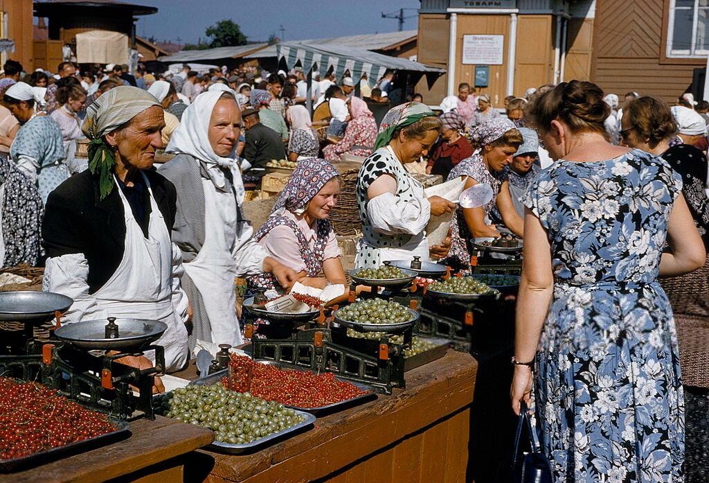 513612 Даниловский колхозный рынок 59 B. Anthony Stewart.jpg