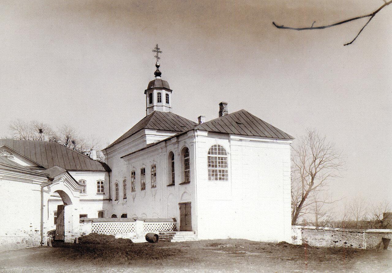 Церковь Иоанна Предтечи на Архиерейском дворе