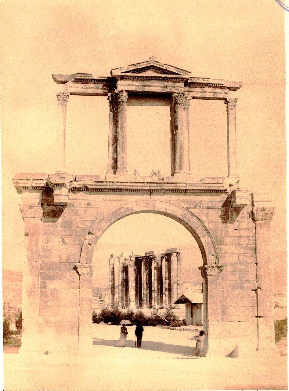 45. Афины. Арка Адриана и храм Зевса Олимпийского