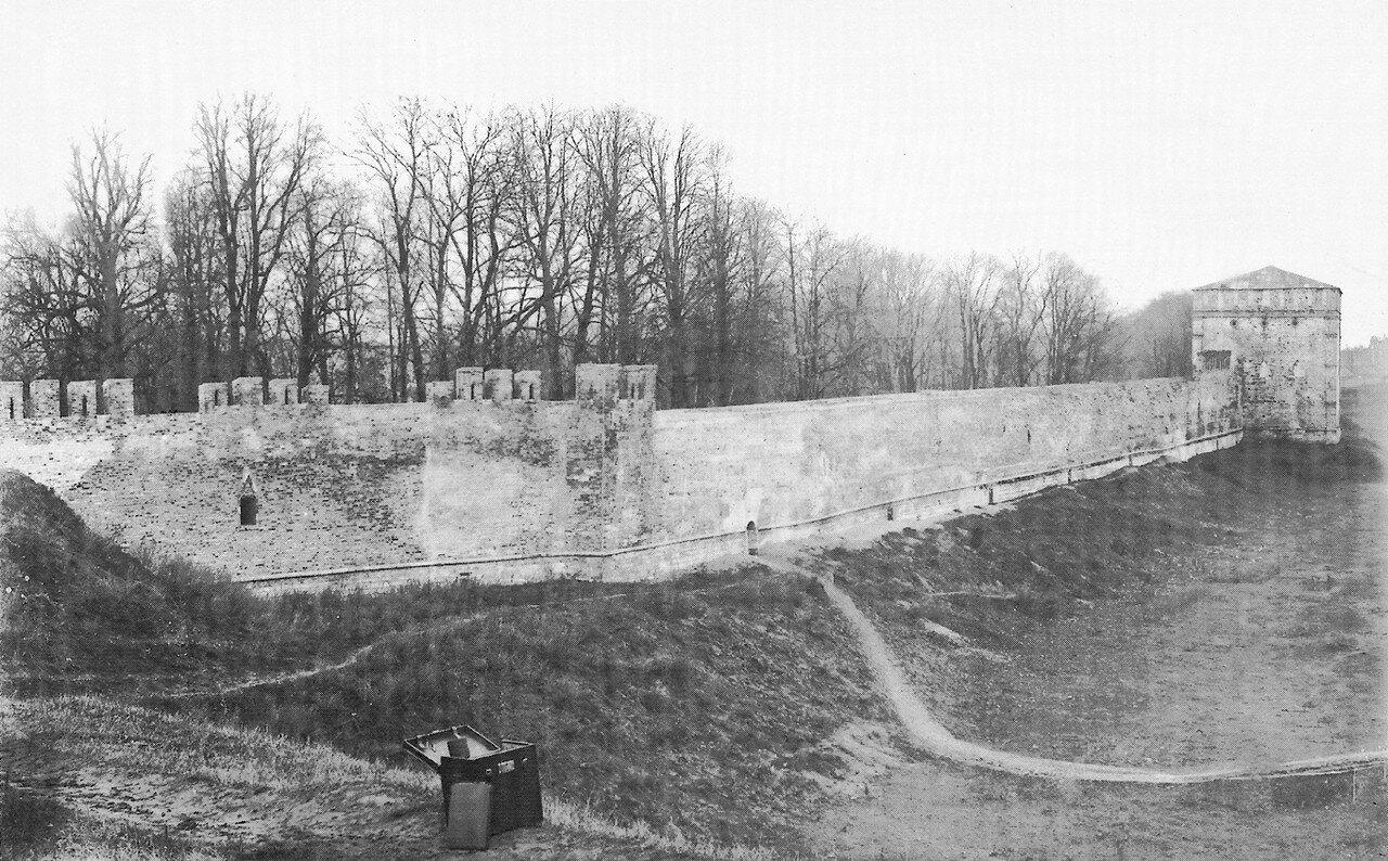 Крепостная стена и Копытецкая башня