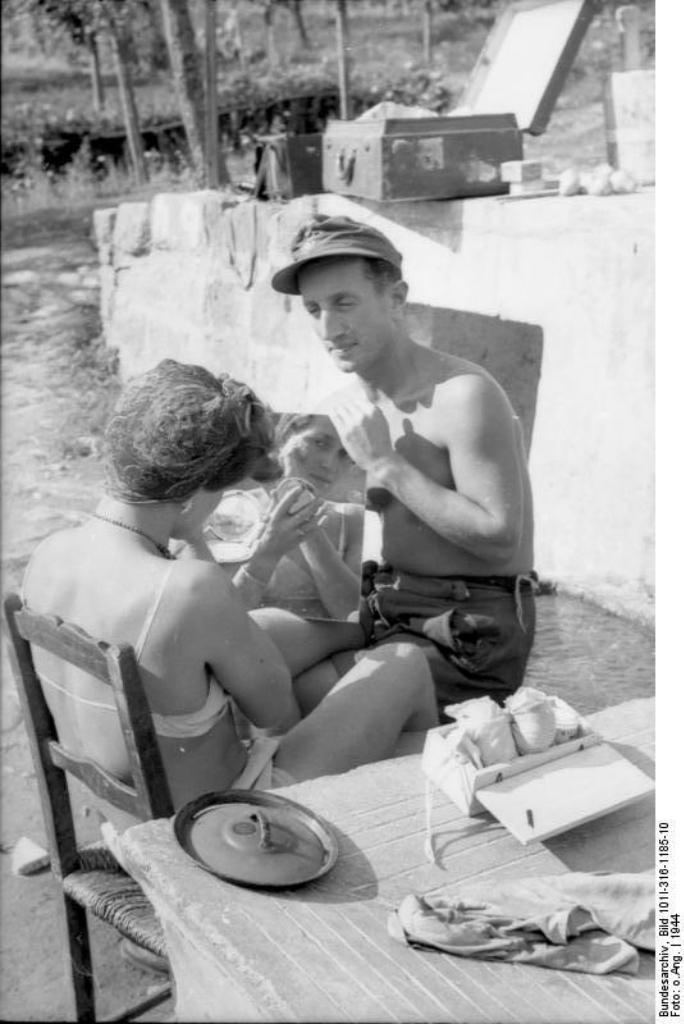 Italien, deutscher Soldat mit italienischer Frau