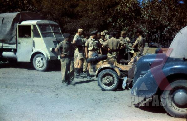 stock-photo-german-luftwaffe-field-division-unit-rest-on-dusty-road-in-greece-1942-12908.jpg