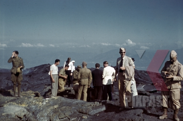 stock-photo-german-luftwaffe-soldiers-at-the-vesuv-lava-fields-in-naples-italy-1942-12767.jpg