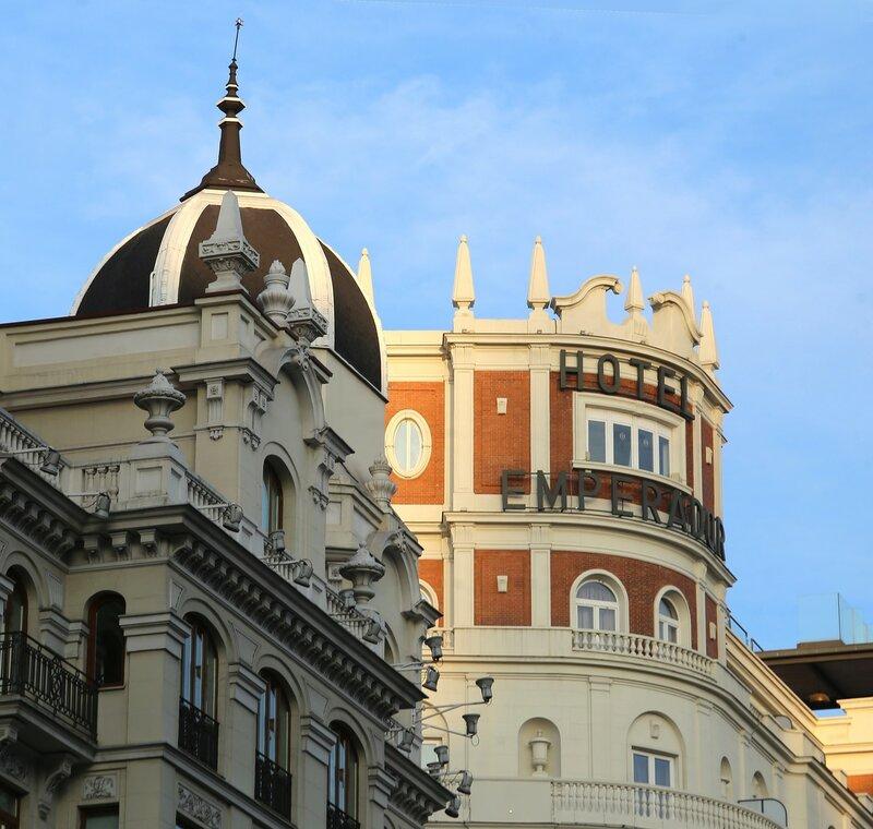 Утренний Мадрид. Гран-Виа. Отель Emperador