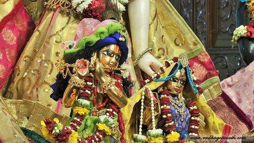 Божество Чоупати, Мумбай, Индия - Шри Шри Радха-Гопинатха (Кришна)