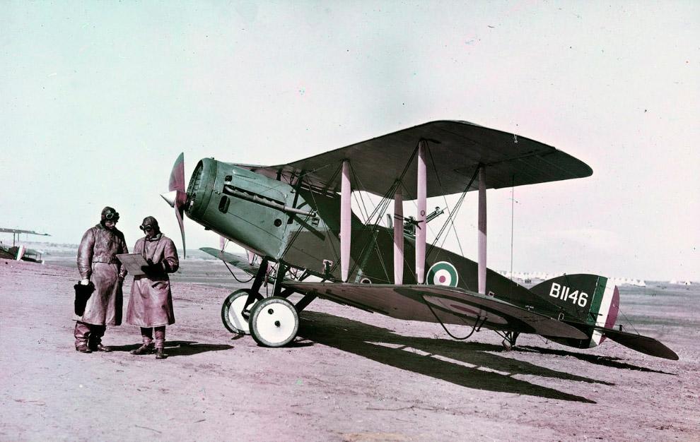 8. Совсем экзотическая техника — воздушные змеи на фронте. (Фото U.S. National Archives):