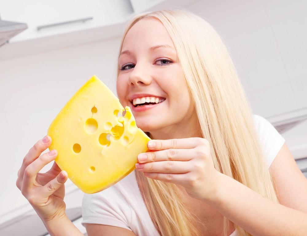 Ученые назвали продукт, который защитит зубы от кариеса