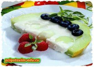 Желейный десерт в дыне