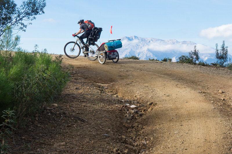 дорога к природному парку Sierra de las Nieves в андалусии