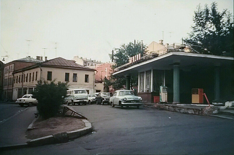 484435 АЗС на Трубной улице 1971.jpg