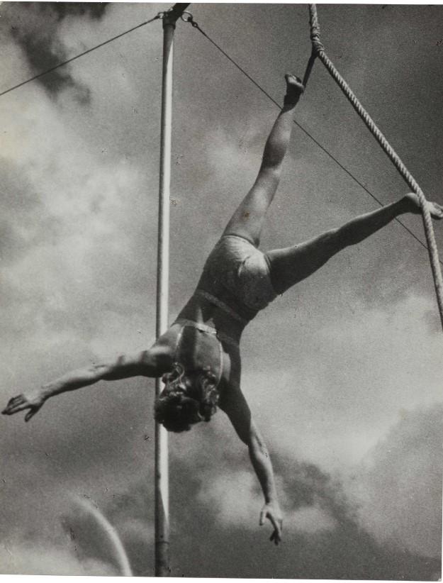 1938. Выступление в зимнем цирке Буглионов