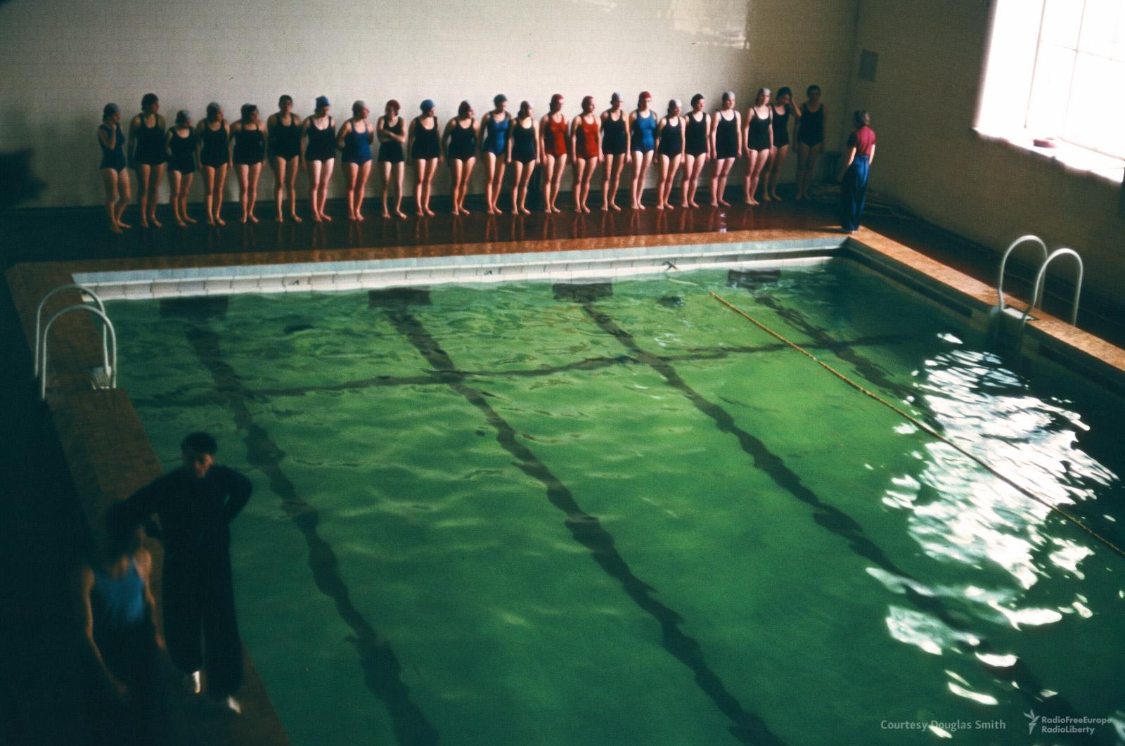51. Плавательный бассейн