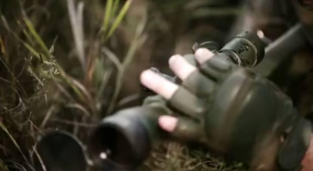 """""""С точностью хирурга обезвреживает врага"""": В сеть выложили впечатляющее видео об украинских снайперов"""