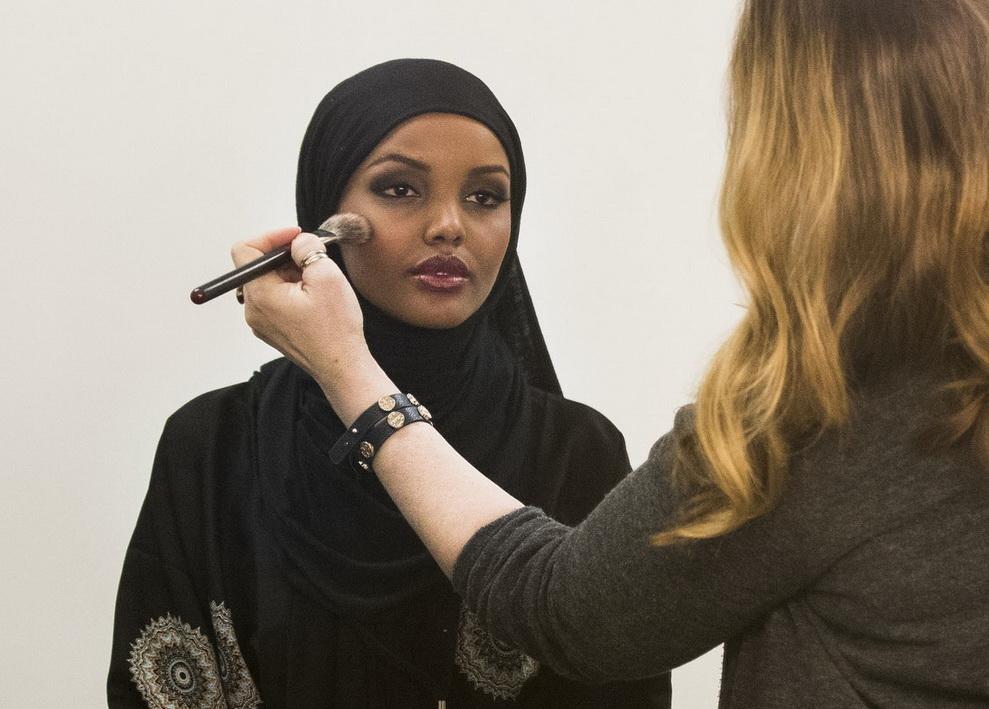 секс всех арабски женщина в хиджабе в видео