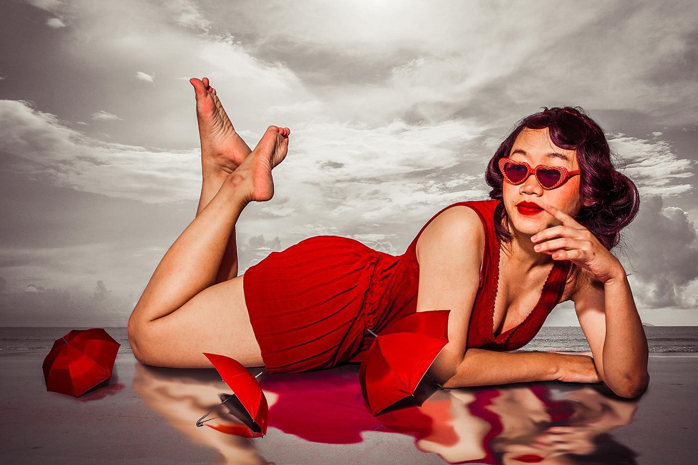 Red umbrella / Chopailin Phraibueng