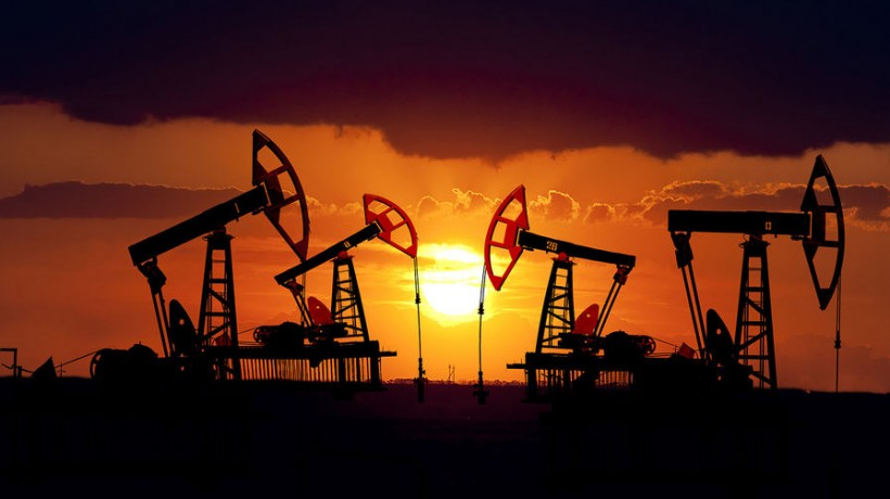 Российская Федерация  6января сократила добычу нефти на1,2%