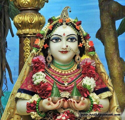 Божество Чоупати, Мумбай, Индия - гопи и сакхи Шри Лолита