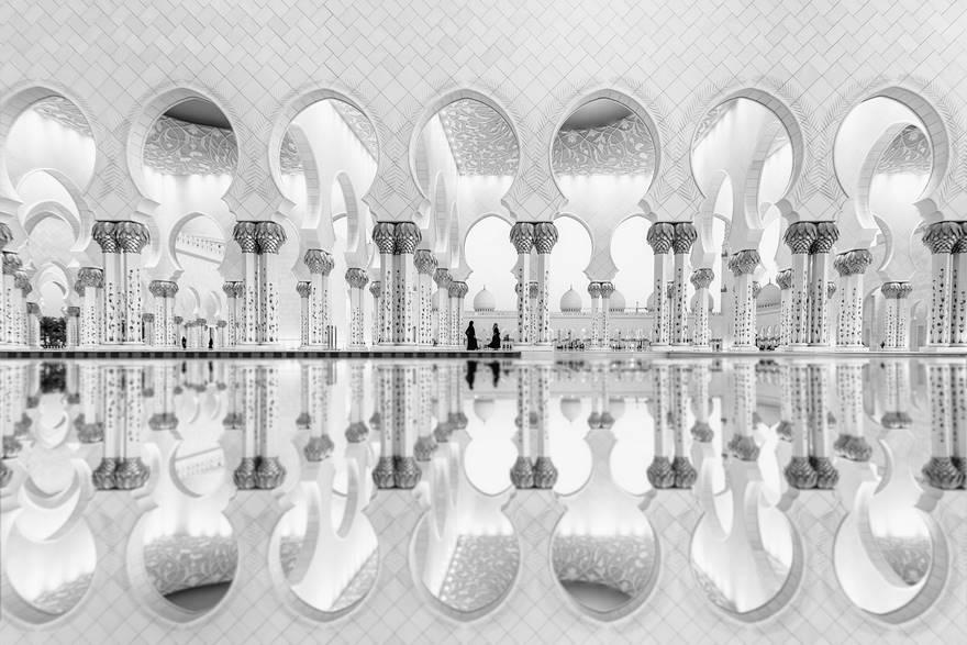 2-е место в категории «Архитектура» — отражение женщин, ОАЭ. Фото: Ali Al Hajri.