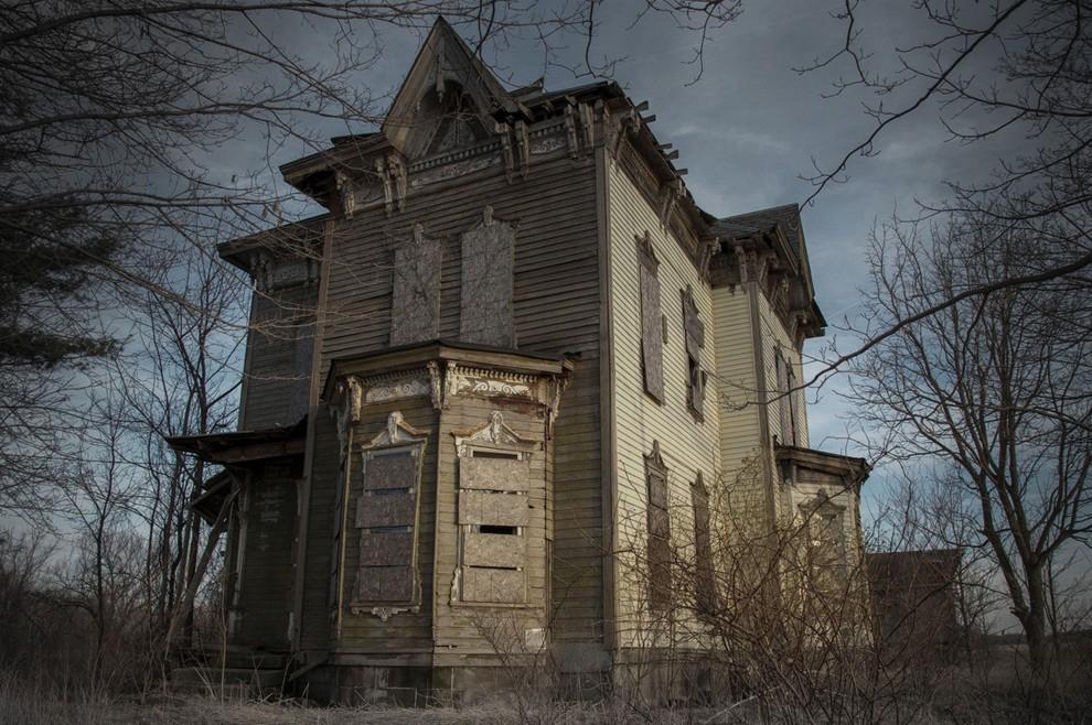 3. В этом доме в середине 20 века разыгралась еще одна семейная драма. Некий Бенджамин Олбрайт снача