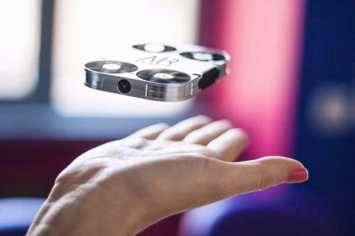 Новый дрон поможет сделать красивые и безопасные «себяшки»