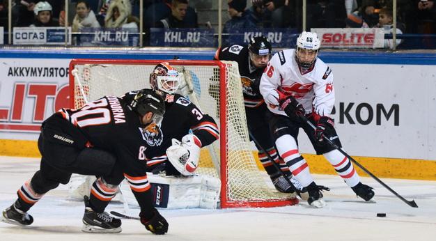 «Авангард» одержал пятую победу подряд вКХЛ, обыграв «Амур»