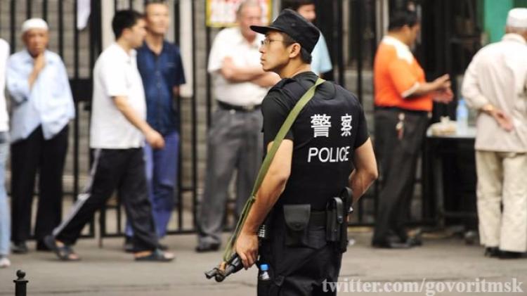 В КНР жертвами нападения троих правонарушителей сножами стали 5 человек