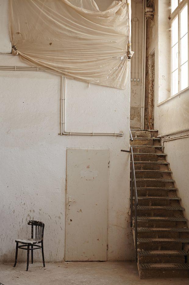 DESIGN SCENE STYLE: Dust Never Settles by Michal Polak