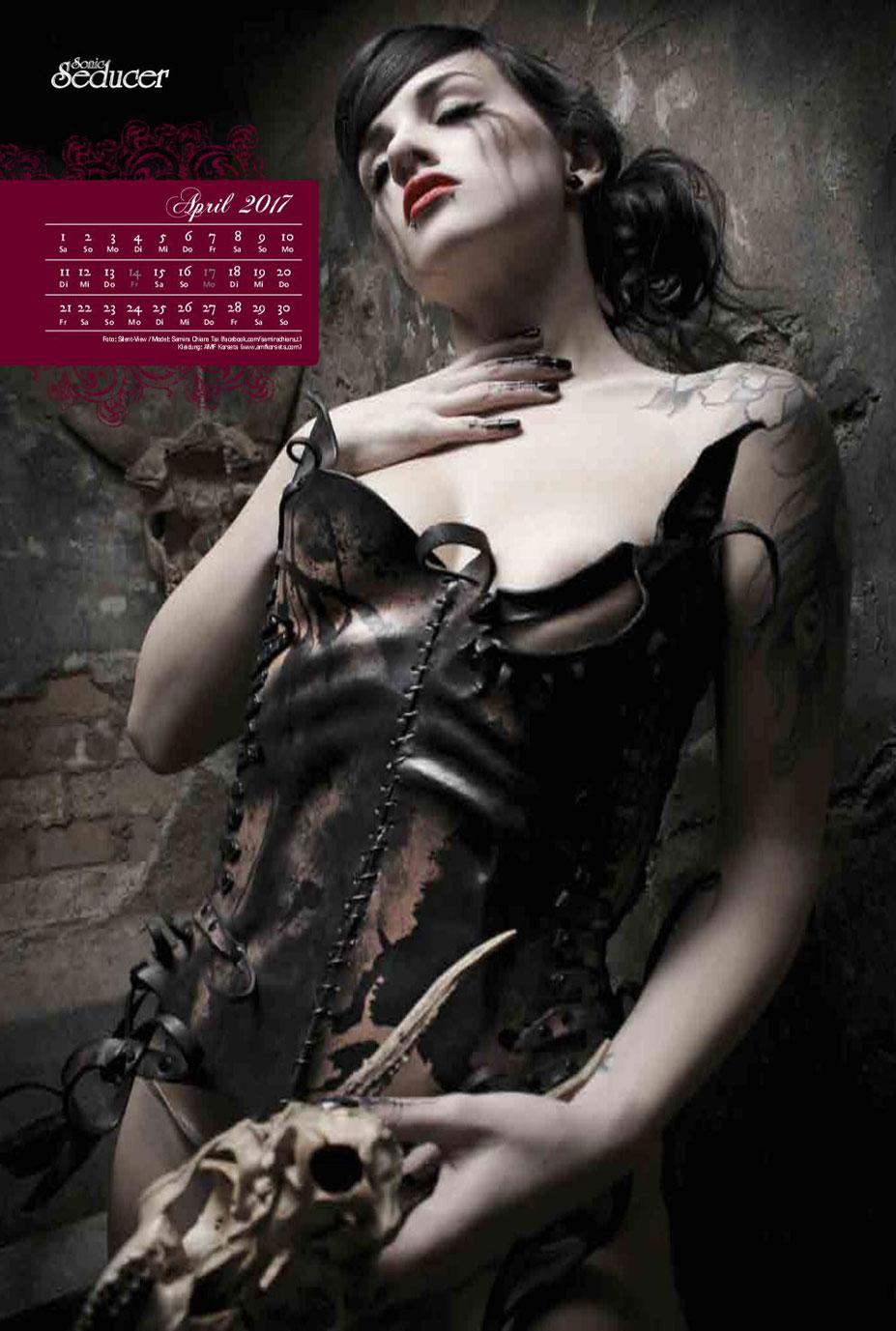 Эротически-готический фетиш-календарь с обнаженными девушками / Gothic-Fetisch 2017 calendar